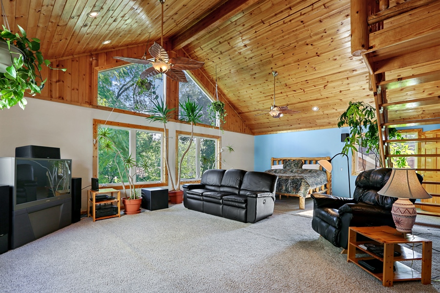 Real Estate Photography - 1527 N Harrison St, Algonquin, IL, 60102 - Great Room