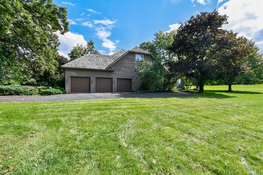 Real Estate Photography - 5N832 E. Ridgewood Drive, St. Charles, IL, 60175 - Side Yard