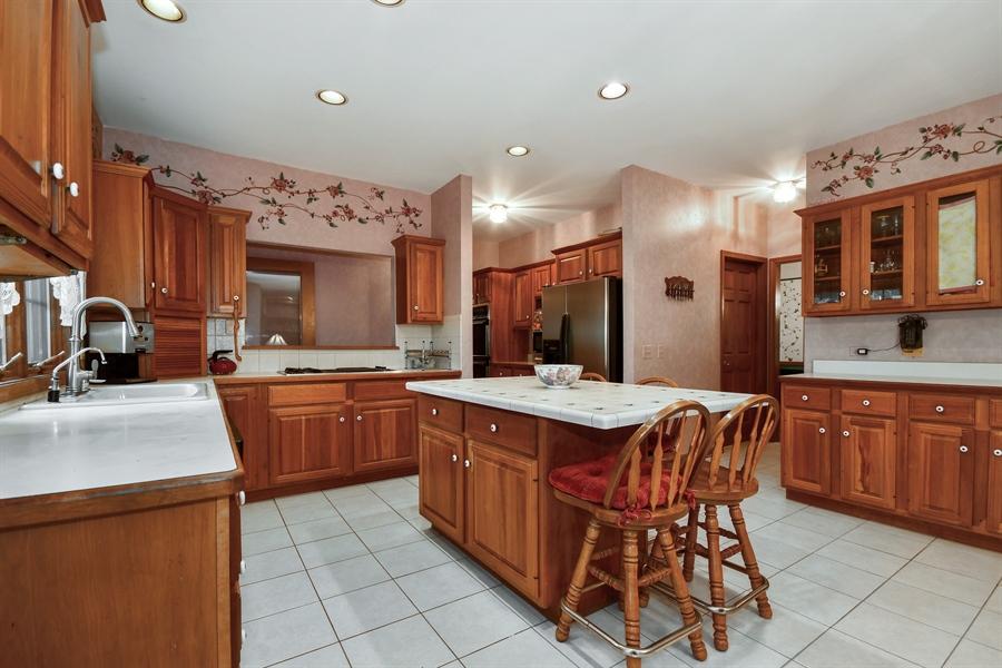 Real Estate Photography - 5N832 E. Ridgewood Drive, St. Charles, IL, 60175 - Kitchen