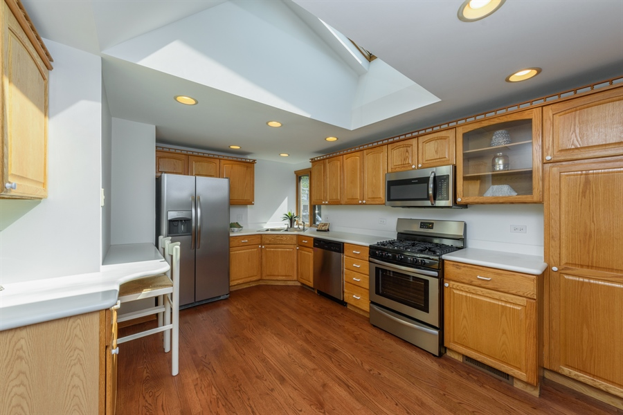 Real Estate Photography - 419 E. George St, Arlington Heights, IL, 60005 - Kitchen
