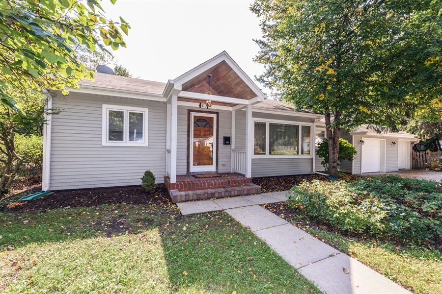 Real Estate Photography - 419 E. George St, Arlington Heights, IL, 60005 - Front View