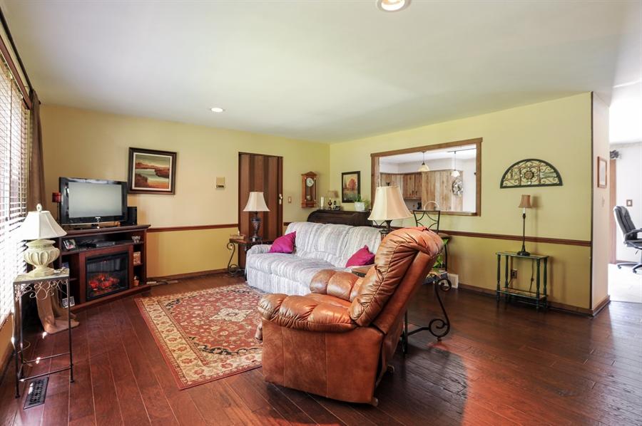 Real Estate Photography - 2736 Knob Hill, Johnsburg, IL, 60051 - Living Room