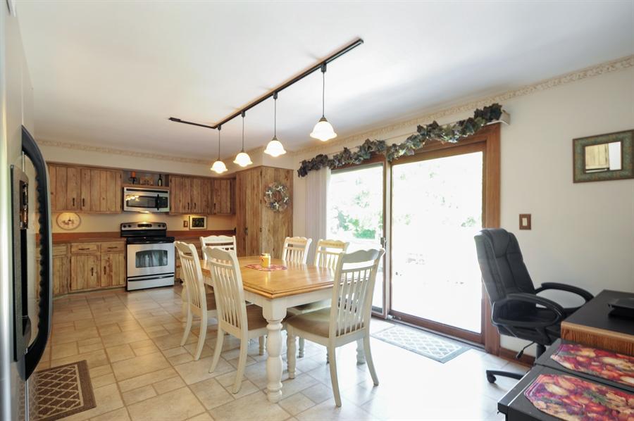 Real Estate Photography - 2736 Knob Hill, Johnsburg, IL, 60051 - Kitchen / Breakfast Room