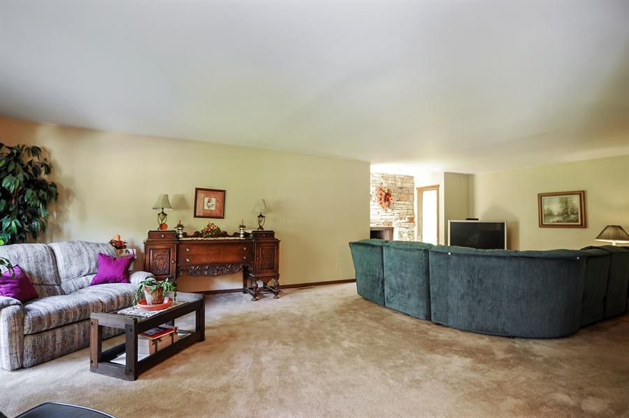 Real Estate Photography - 2736 Knob Hill, Johnsburg, IL, 60051 - Family Room