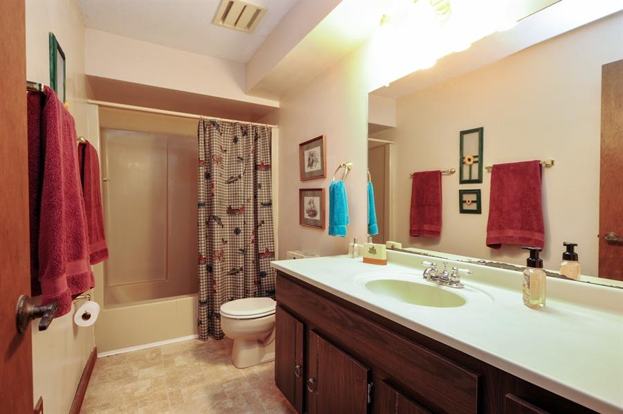 Real Estate Photography - 2736 Knob Hill, Johnsburg, IL, 60051 - Bathroom