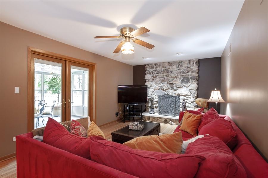 Real Estate Photography - 993 Tara Drive, Woodstock, IL, 60098 - Family Room