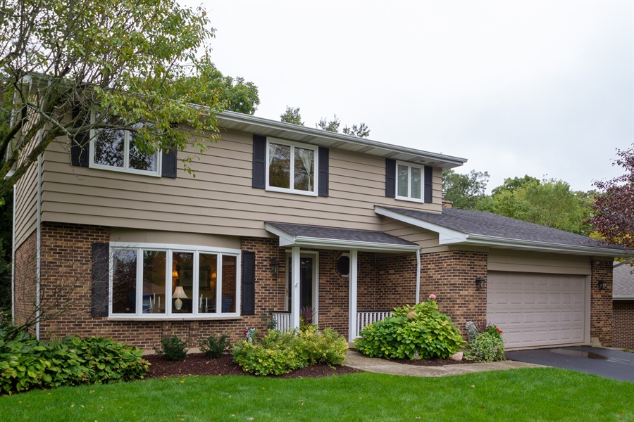 Real Estate Photography - 993 Tara Drive, Woodstock, IL, 60098 - Front View