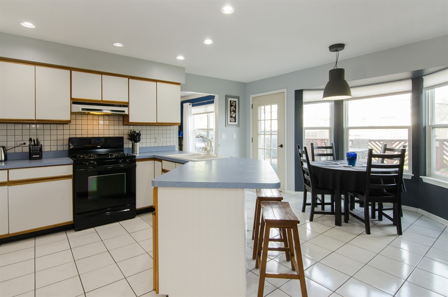 Real Estate Photography - 833 Willow, Lake In The Hills, IL, 60156 - Kitchen / Breakfast Room