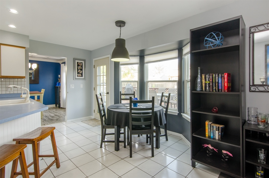 Real Estate Photography - 833 Willow, Lake In The Hills, IL, 60156 - Breakfast Area