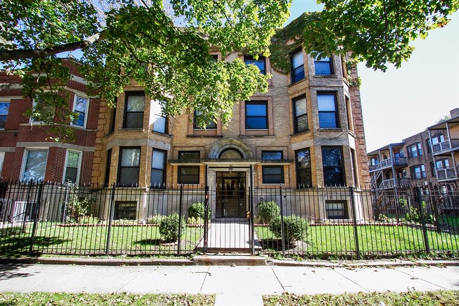 Real Estate Photography - 6547 S. Ellis Avenue, Unit 1N, Chicago, IL, 60637 - Front View