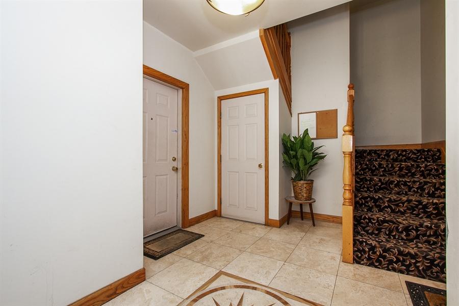 Real Estate Photography - 6547 S. Ellis Avenue, Unit 1N, Chicago, IL, 60637 - Entryway