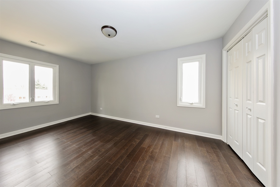 Real Estate Photography - 2031 W. Parkview Cir., Hoffman Estates, IL, 60169 - 3rd Bedroom
