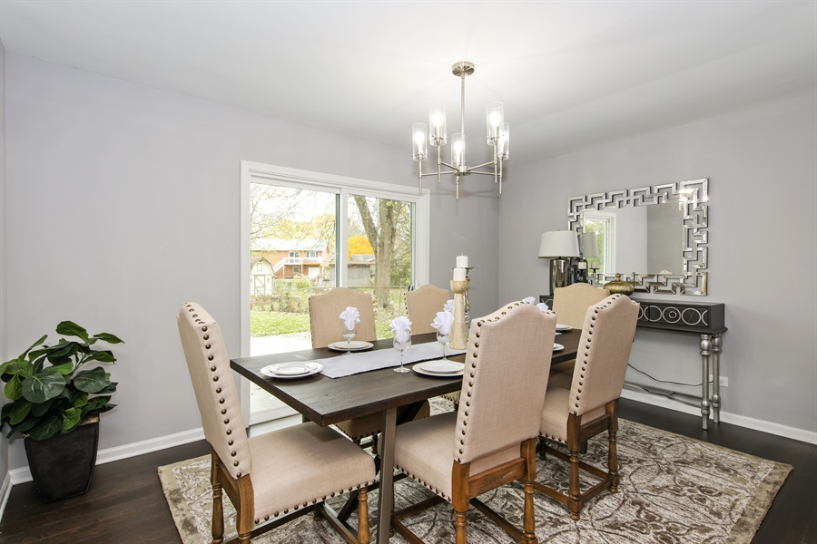 Real Estate Photography - 2031 W. Parkview Cir., Hoffman Estates, IL, 60169 - Dining Room