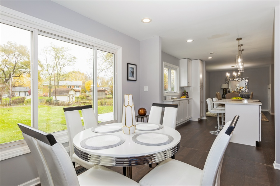 Real Estate Photography - 2031 W. Parkview Cir., Hoffman Estates, IL, 60169 - Breakfast Area