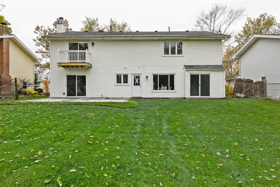 Real Estate Photography - 2031 W. Parkview Cir., Hoffman Estates, IL, 60169 - Rear View