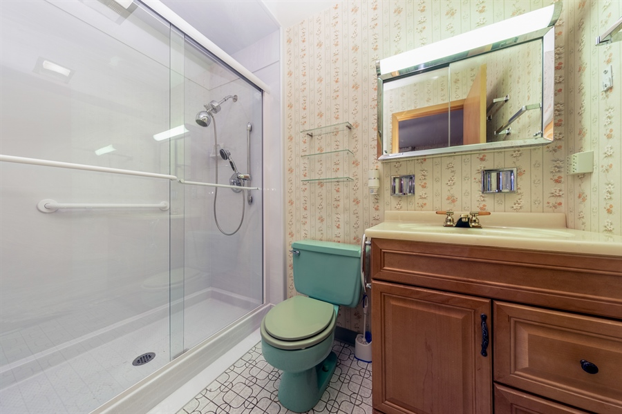 Real Estate Photography - 640 E. Tahoe Trail, Palatine, IL, 60074 - Master Bathroom
