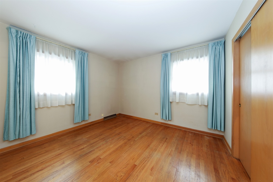 Real Estate Photography - 640 E. Tahoe Trail, Palatine, IL, 60074 - 2nd Bedroom