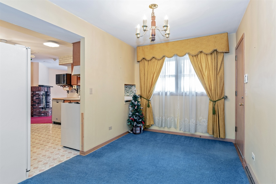 Real Estate Photography - 640 E. Tahoe Trail, Palatine, IL, 60074 - Dining Room
