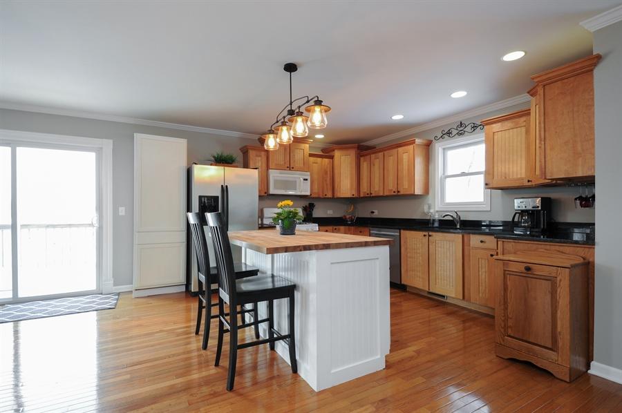 Real Estate Photography - 5701 Wonder Woods, Wonder Lake, IL, 60097 - Kitchen