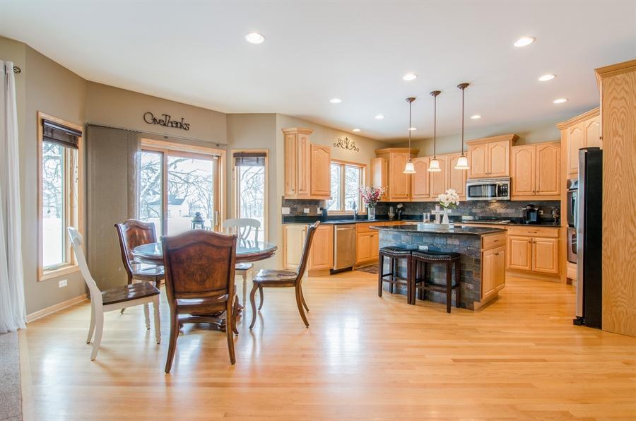 Real Estate Photography - 12265 Oakcrest Drive, Huntley, IL, 60142 - Kitchen / Breakfast Room