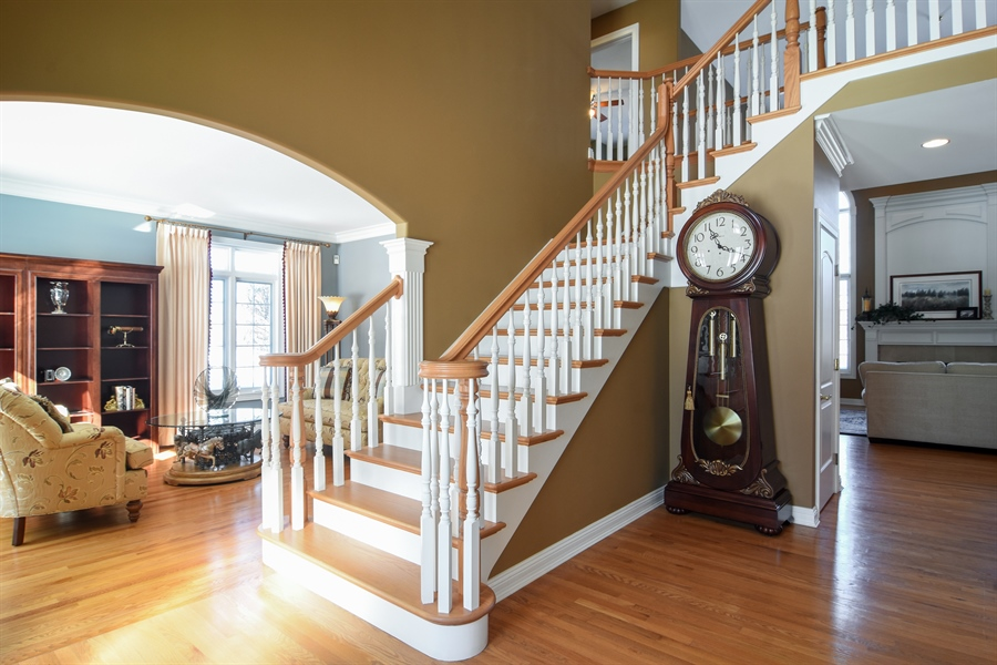 Real Estate Photography - 21558 W Goldfinch Ct, Kildeer, IL, 60047 - Foyer