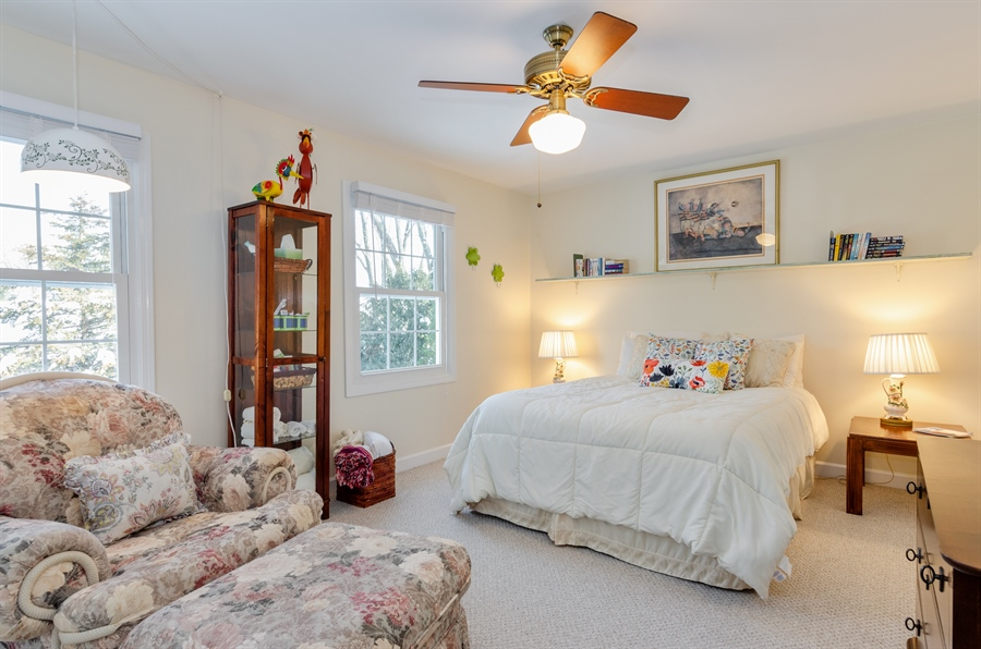 Real Estate Photography - 835 Glendale Drive, Crystal Lake, IL, 60014 - 2ND BEDROOM (16X12)