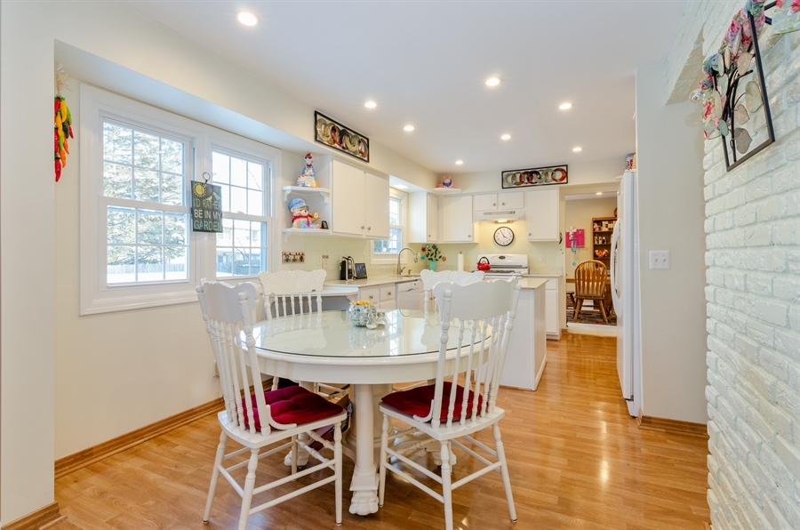 Real Estate Photography - 835 Glendale Drive, Crystal Lake, IL, 60014 - BREAKFAST AREA