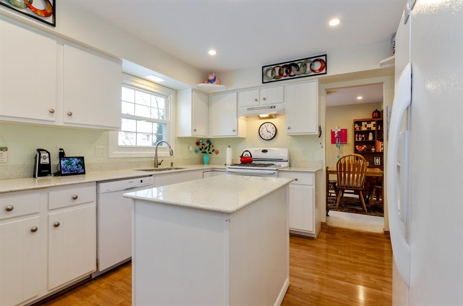 Real Estate Photography - 835 Glendale Drive, Crystal Lake, IL, 60014 - Kitchen