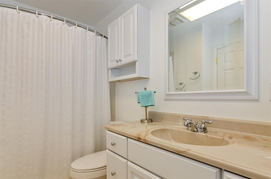 Real Estate Photography - 835 Glendale Drive, Crystal Lake, IL, 60014 - 2ND FULL BATH