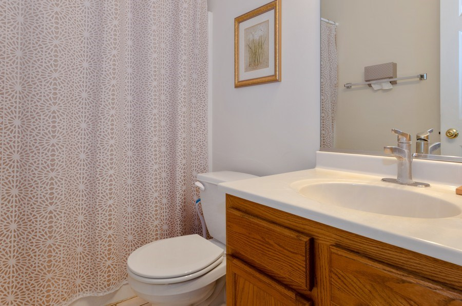 Real Estate Photography - 57 Sarah Dr., Crystal Lake,, IL, 60014 - Main Level/First Floor Full Bathroom