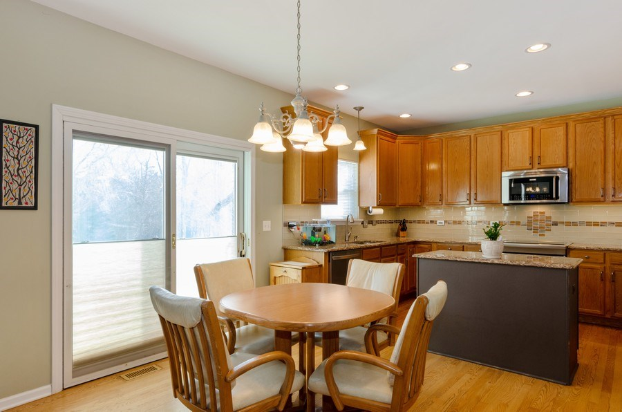 Real Estate Photography - 57 Sarah Dr., Crystal Lake,, IL, 60014 - Kitchen / Breakfast Room