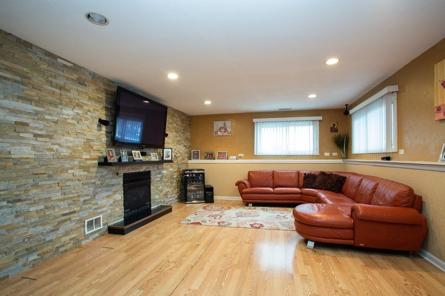 Real Estate Photography - 237 W Devon, Roselle, IL, 60172 - Family Room
