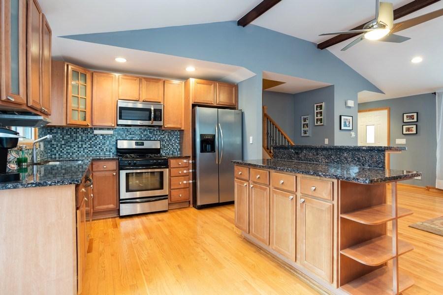 Real Estate Photography - 237 W Devon, Roselle, IL, 60172 - Kitchen