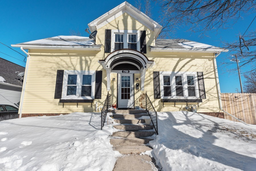 Real Estate Photography - 1706 Western Avenue, Manitowoc, WI, 54220 - Front View