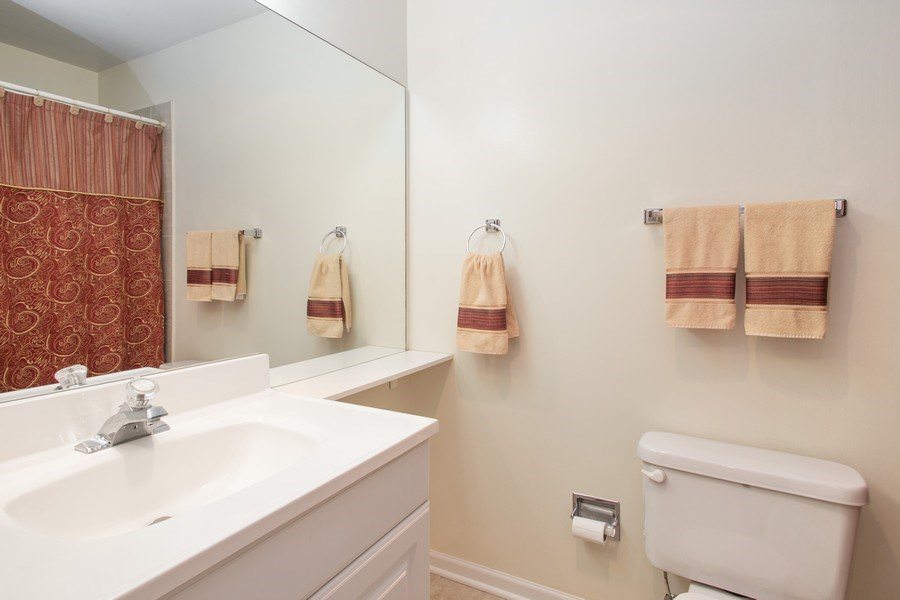 Real Estate Photography - 272 Kings Mill Court, Unit C2, Schaumburg, IL, 60193 - Bathroom