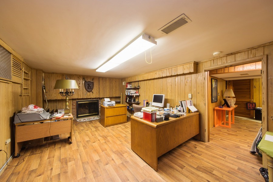 Real Estate Photography - 1319 W. Watling, Arlington Heights, IL, 60004 - Office