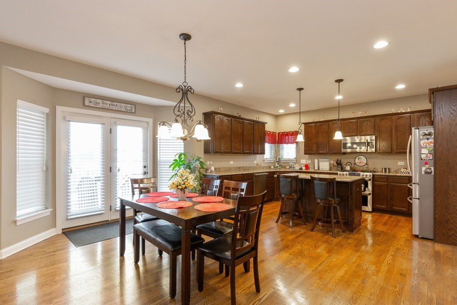 Real Estate Photography - 161 N Bend Way, Elgin, IL, 60124 - Kitchen