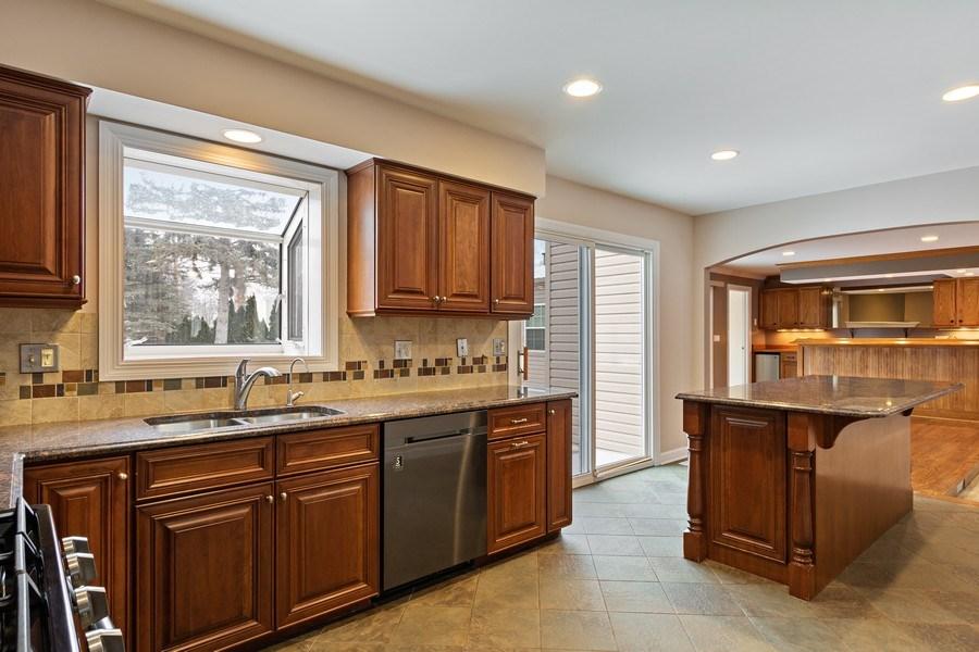 Real Estate Photography - 1152 W. Chatham Drive, Palatine, IL, 60067 - Kitchen