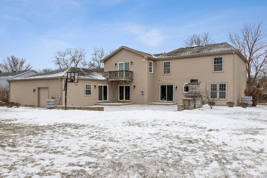 Real Estate Photography - 1152 W. Chatham Drive, Palatine, IL, 60067 - Rear View