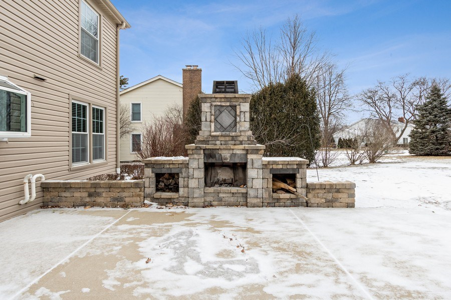 Real Estate Photography - 1152 W. Chatham Drive, Palatine, IL, 60067 - Patio