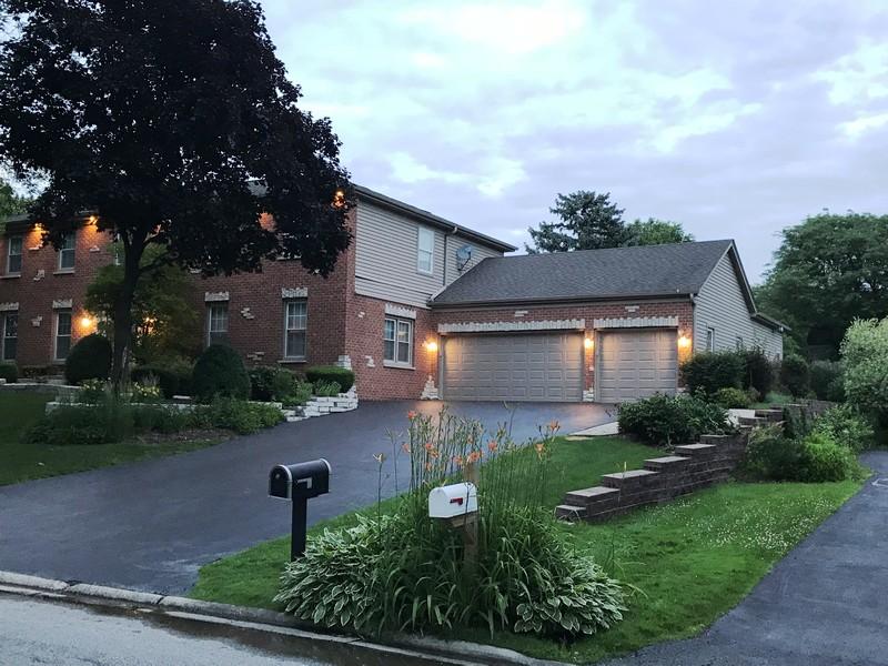 Real Estate Photography - 1152 W. Chatham Drive, Palatine, IL, 60067 -