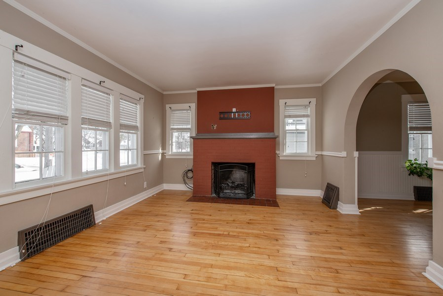 Real Estate Photography - 1709 Wisconsin Ave, Manitowoc, WI, 54220 - Living Room