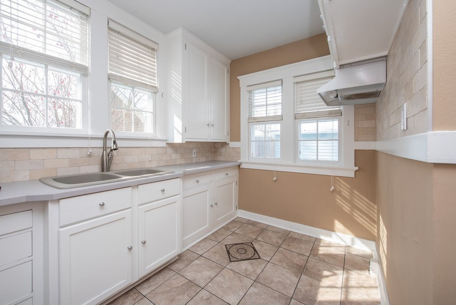 Real Estate Photography - 1709 Wisconsin Ave, Manitowoc, WI, 54220 - Kitchen