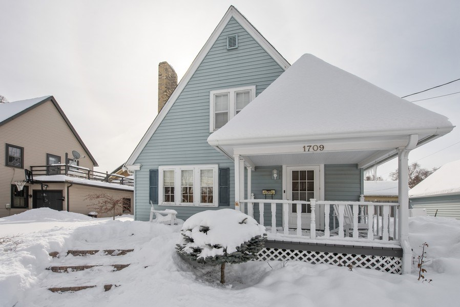 Real Estate Photography - 1709 Wisconsin Ave, Manitowoc, WI, 54220 - Front View