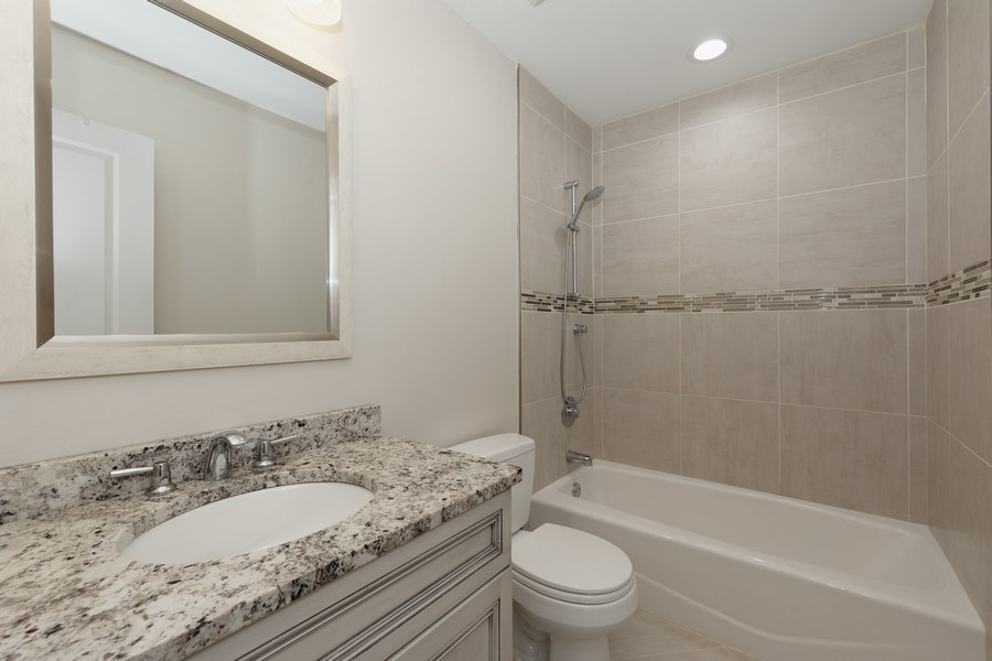 Real Estate Photography - 104 Crooked Creek, Barrington, IL, 60010 - 2nd Bathroom