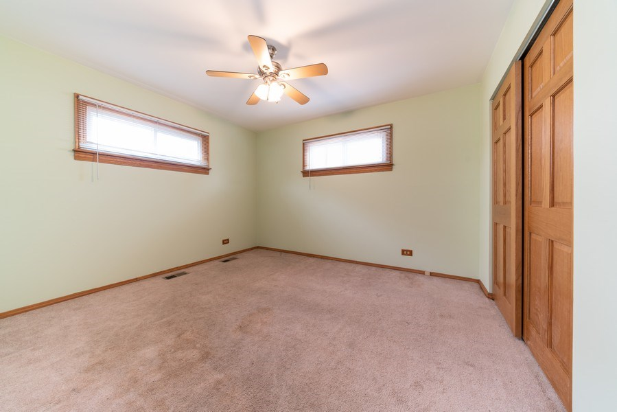 Real Estate Photography - 305 Glendale Ln, Hoffman Estates, IL, 60169 - 3rd Bedroom