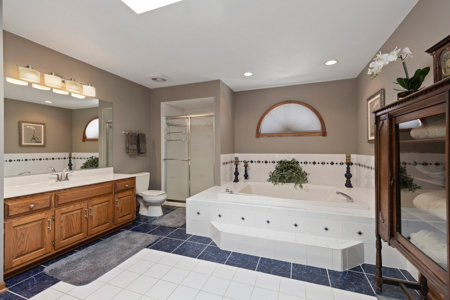 Real Estate Photography - 2342 Preston Ln, West Dundee, IL, 60118 - Master Bathroom
