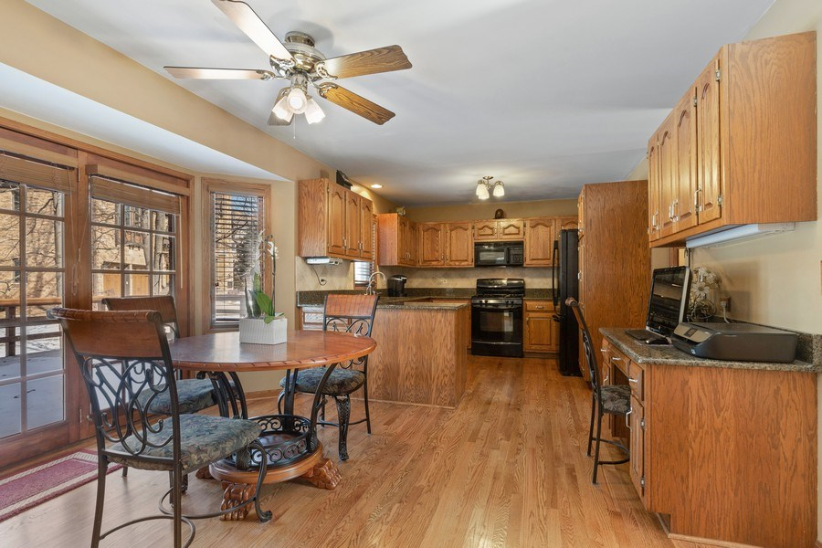 Real Estate Photography - 2342 Preston Ln, West Dundee, IL, 60118 - Kitchen / Breakfast Room