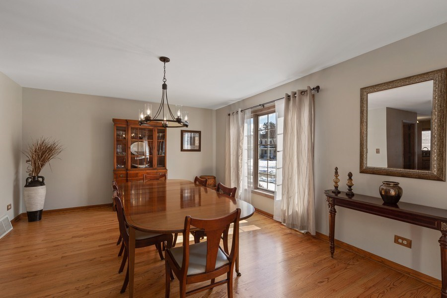 Real Estate Photography - 2342 Preston Ln, West Dundee, IL, 60118 - Dining Room