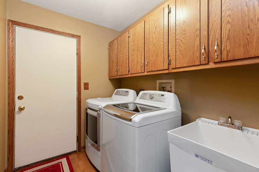 Real Estate Photography - 2342 Preston Ln, West Dundee, IL, 60118 - Laundry Room